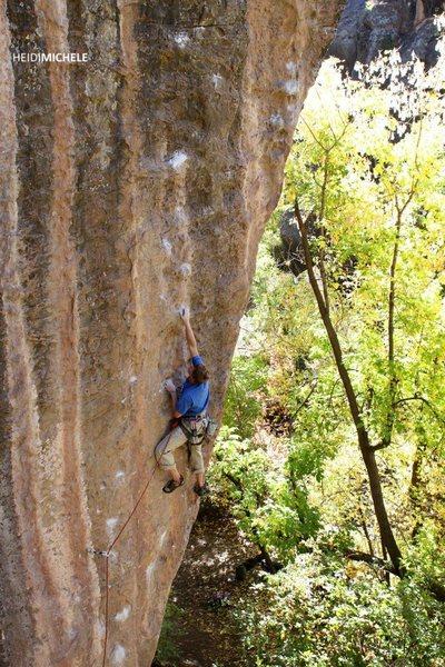 Ben Riley climbs Sinister.