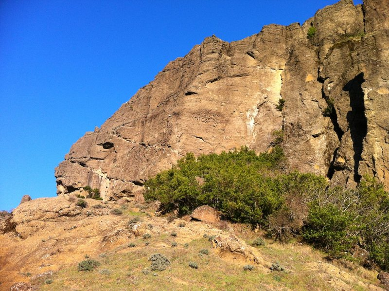 Rock Climbing Photo: The obvious hueco patch in the middle of the wall ...
