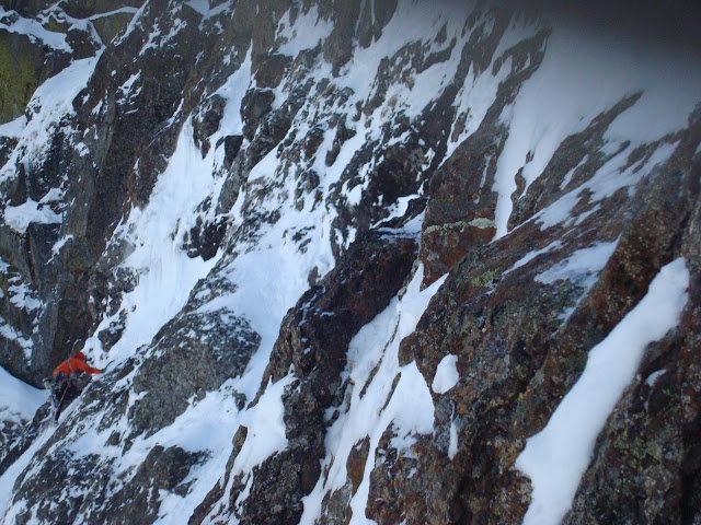 Rock Climbing Photo: Colin Haley leading a steep ice pitch on Ski Track...