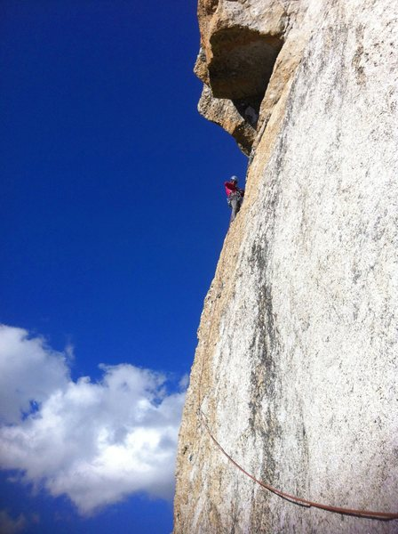 On lead P4 on the breathtaking arete before the roof.