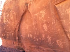 Rock Climbing Photo: Kane Springs Canyon Petroglyph