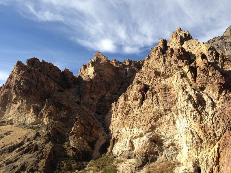 Trilogy buttress on a pretty day