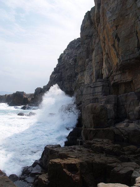 Waves crashing on the Catwalk