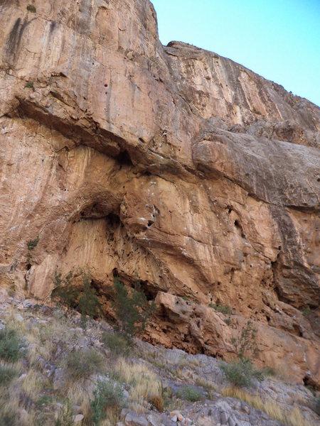 Rock Climbing Photo: Mentor Cave