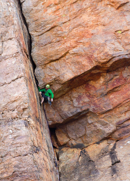 Rock Climbing Photo: Paul Donnithorne on Honker 5.10b, Upper West Walls...