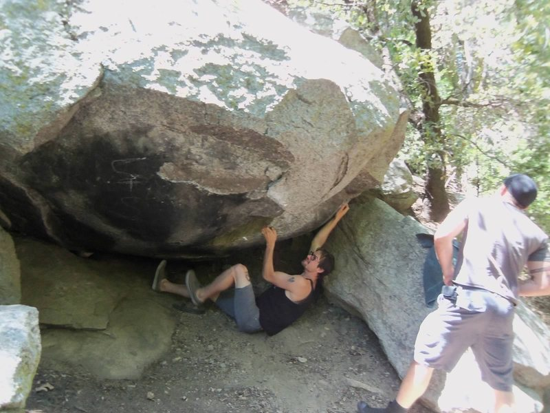 A boulder problem on the trail to Heart Rock.