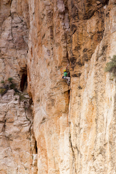 Mike Pycroft setting out on the start of the second pitch of The Mighty Logan, photo Emma Alsford