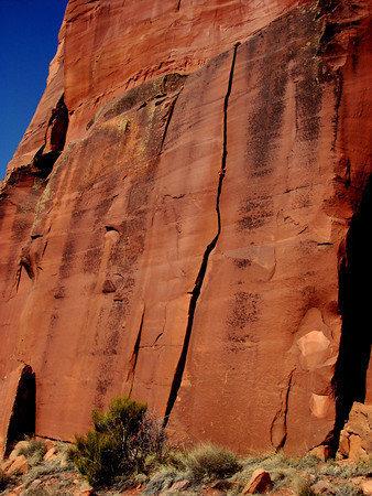 Rock Climbing Photo: Pitch 1 climbs a short, 30 foot, hand crack.