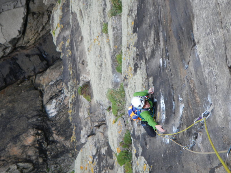 pitch 2 , approaching the fierce twin crack crux