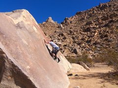 Rock Climbing Photo: using the crescent shaped features