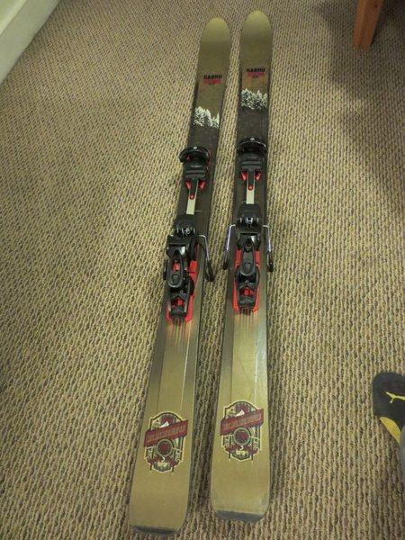 Karhu Storm skis (Length 177cm) with Fritschi Freeride Plus AT bindings.