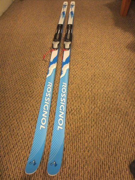 Rossignol BC 65 cross country ski. Length 185.