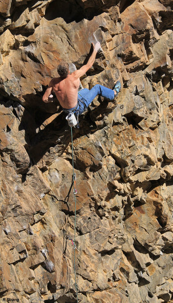 Ed loving the sloping pinches<br> Native Rituals (5.12+)