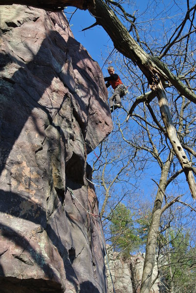 Kris Gorny leading Grand Inquisitor Bill's Buttress East Bluff Devil's Lake October 2012.