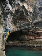 Rock Climbing Photo: traversing the cave at low tide towards the start