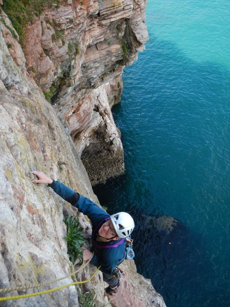 Rock Climbing Photo: climbing upto the belay cave of pitch 2