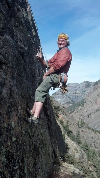 Rock Climbing Photo: SR peaces out while lowering off the first ascent ...