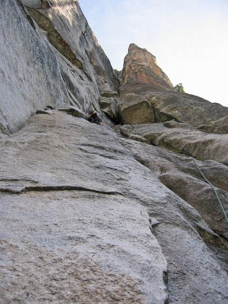 Rock Climbing Photo: end of Pitch2 and wide roof of Pitch3