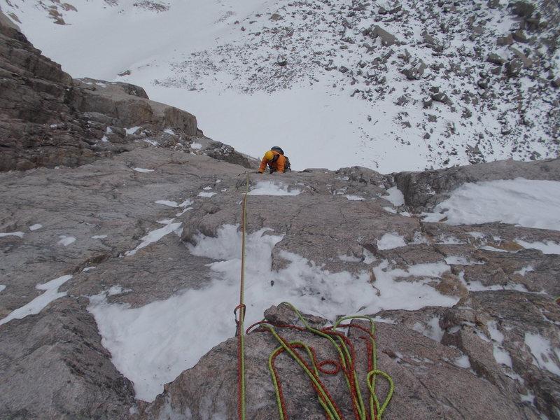 Rock Climbing Photo: Pitch 3, WI4 M6+, 180 feet, Fields Chimney.