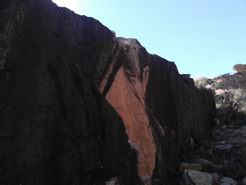 Rock Climbing Photo: Left profile of V2 (?)