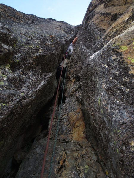 Rock Climbing Photo: Squeeze chimney turns into a beautiful splitter OW...