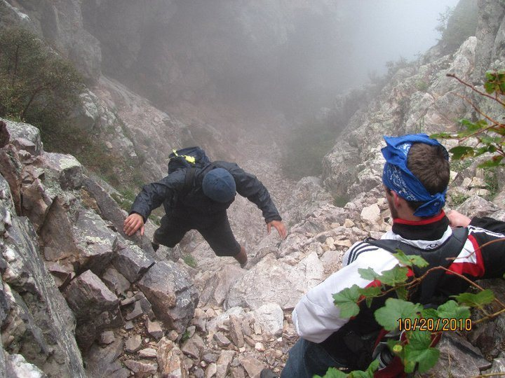 Rock Climbing Photo: Climbing the gully to the summit of Browns Peak