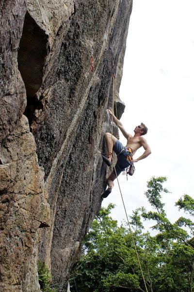 Rock Climbing Photo: Through the low crux on Lizard at Beacon Hill