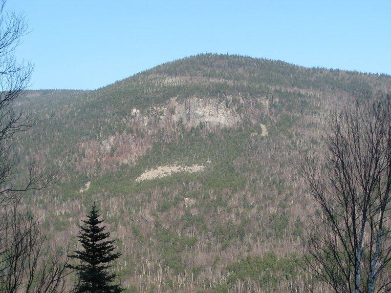 Rock Climbing Photo: Monkey Village, SW buttress of Mt. Kancamagus, jus...
