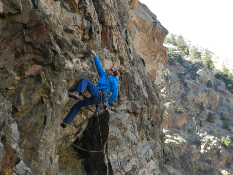 Rock Climbing Photo: Angus on first roof of The Green Zone. Long slings...