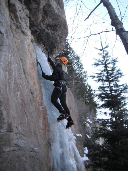 Rock Climbing Photo: Public Masturbation M8 (pre-crux)