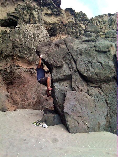 Rock Climbing Photo: Jesús Torres on Caballito (V2).