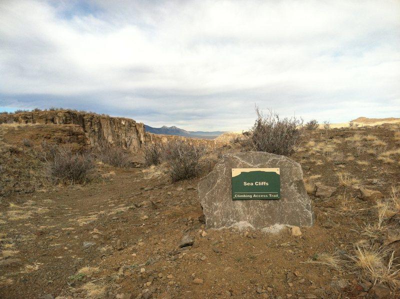 Rock Climbing Photo: Sea Cliffs Trail sign.