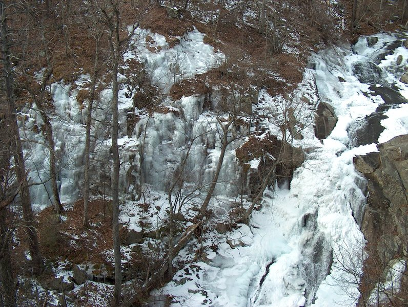 The ice climbing practice areas of White Oak Canyon in conditions.