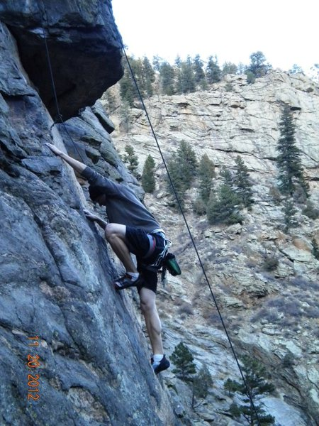 Rock Climbing Photo: Approaching roof on Deuces Wild