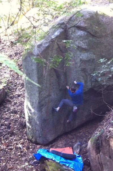 Rock Climbing Photo: Sinkhole Dihedral V3