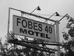 Rock Climbing Photo: Fobes 40 Motel, Sierra Eastside