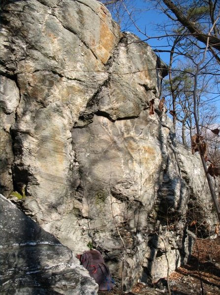 Rock Climbing Photo: In this photo you can see a crash pad sitting at t...