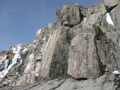Rock Climbing Photo: Nice looking rock on right side of crag (11-30-12)...