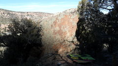 Rock Climbing Photo: East face of Holiday Boulder.