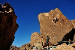 Rock Climbing Photo: Pulling through the easy section of Black Magic.