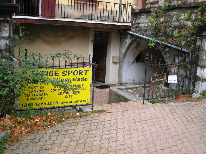 Vertige Sport, the local climbing store, In Orpierre