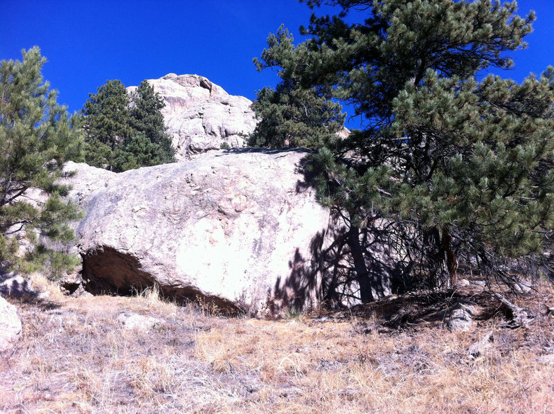 Rock Climbing Photo: Horrible Pic of the Marble Boulder, below and to E...