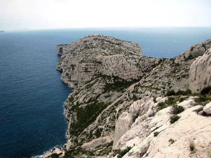 Cap Morgiou from the top of Arête des Raisins
