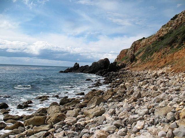Rock Climbing Photo: Basalt boulders, Rancho Palos Verdes