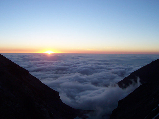 Rock Climbing Photo: Sunrise from Broadway Ledge
