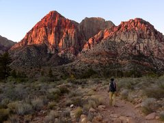 Rock Climbing Photo: Hiking in towards Juniper Canyon and the Rainbow W...
