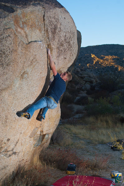 Matt Hallman working the diagonal seam on &quot;Seamster&quot; V7<br> Photo: Ciotti