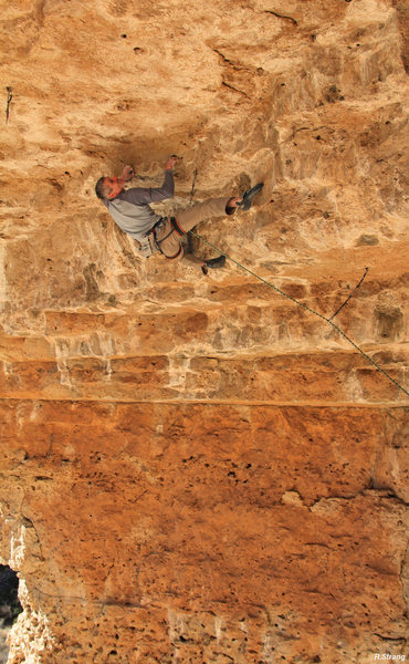 Rock Climbing Photo: Starting the roof crux on Straight Into Frantic Ob...