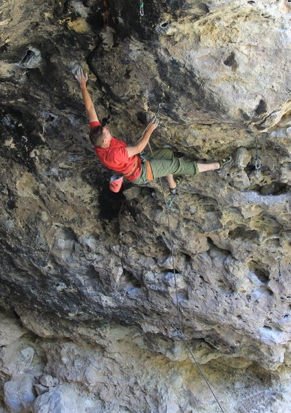 Rock Climbing Photo: Unamed 5.12 at the Crystal Cave