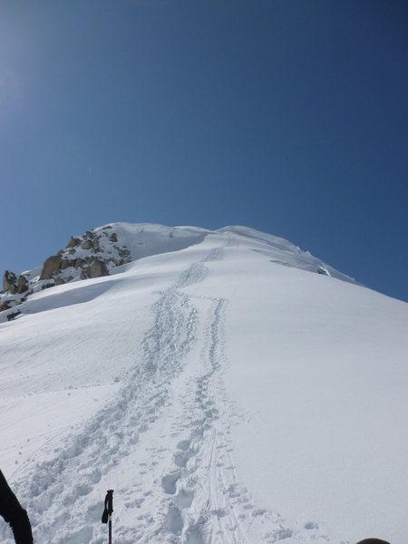 Rock Climbing Photo: Once gaining the ridge, continue west up the ridge...